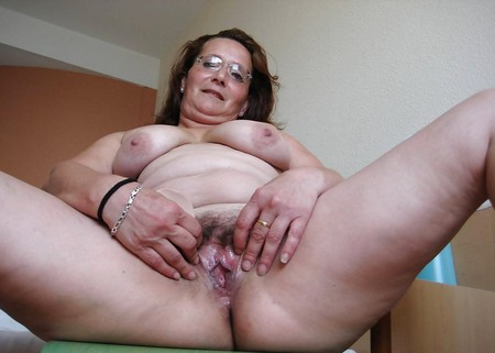 MATURE old granny - in panties - tits hairy pussy ass fat