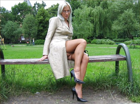 hotlegs-mature legs and more4
